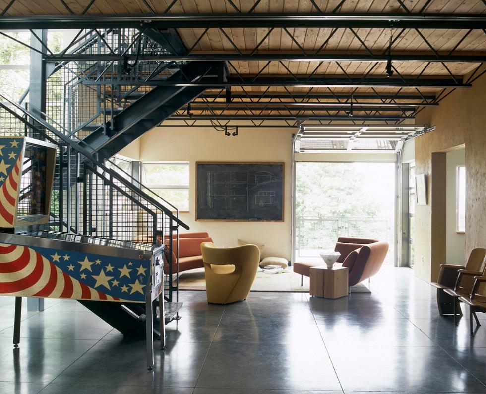 industrial-home-details_garage-doors